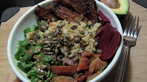 Kale salad with pickled beets and tempeh