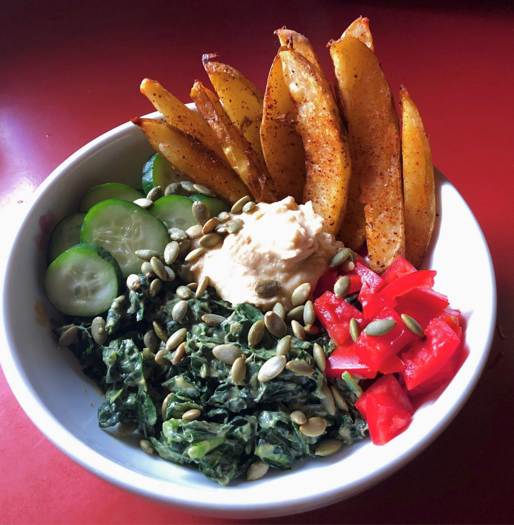 Baked potato fries and kale salad